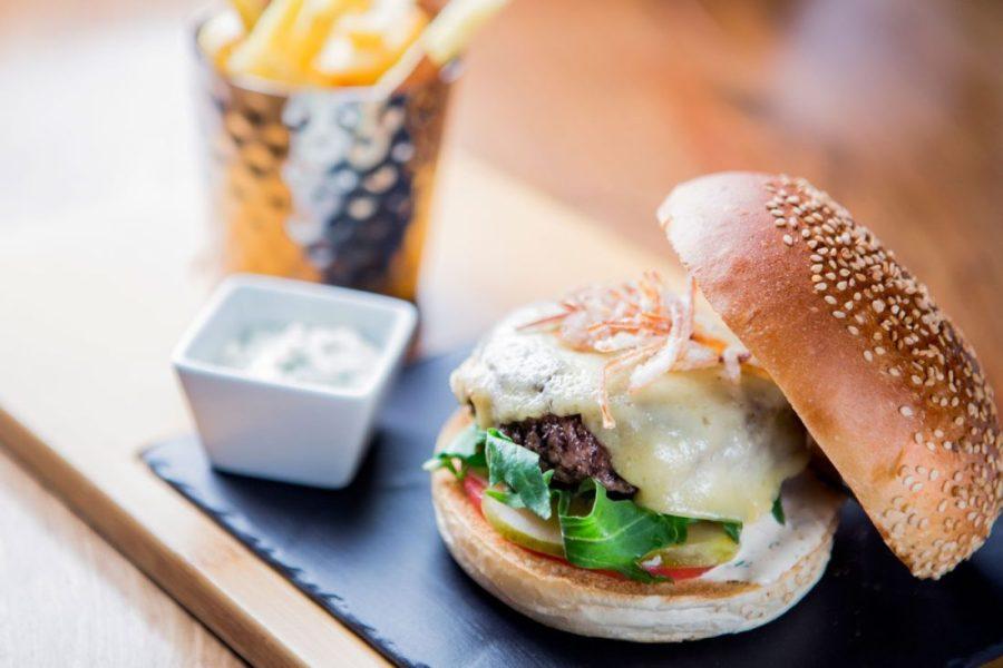 ®pierremonetta-Wagyu-beef-Burger---Buddha-Bar-Hotel-Paris