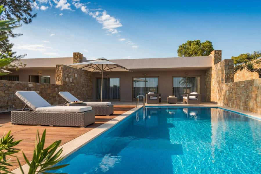 Deluxe-Two-Bedroom-Bungalow-Suite-Private-Pool-Ext