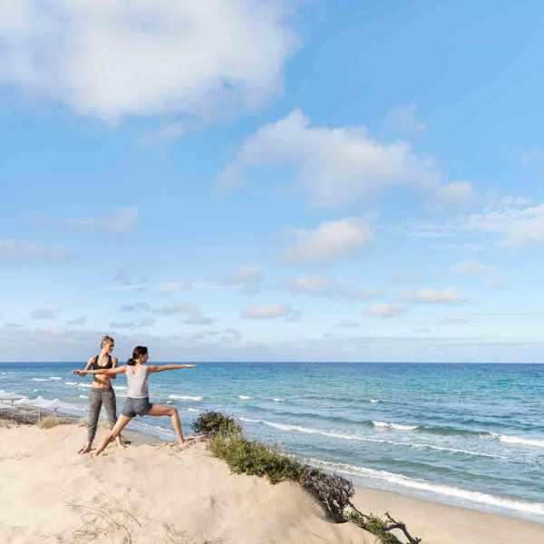 Sani_Dunes_Yoga_on_the_beach