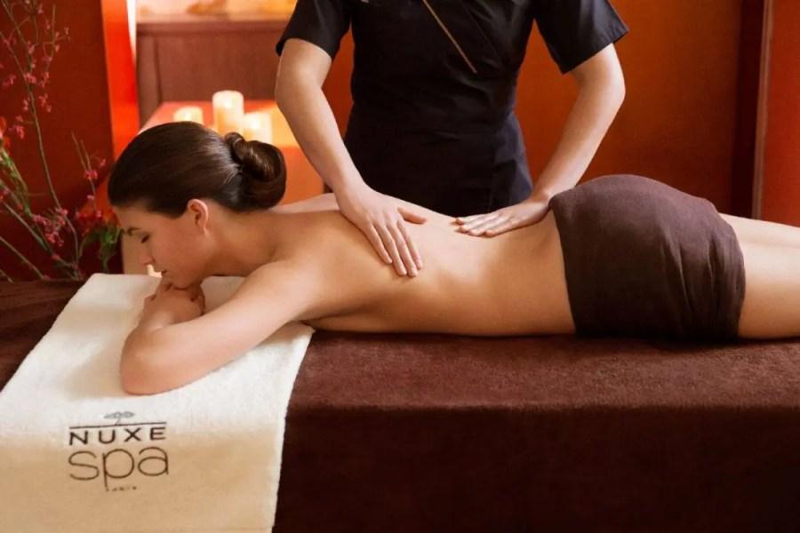 NUXE-Spa-Agapa-Massage-femme-dos