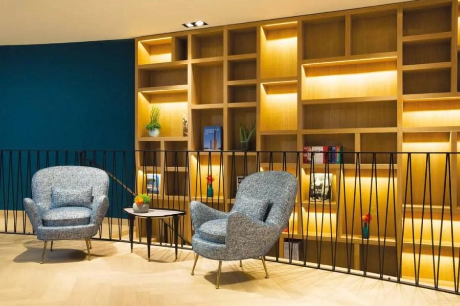 ARTUS-HOTEL--Bibliotheque