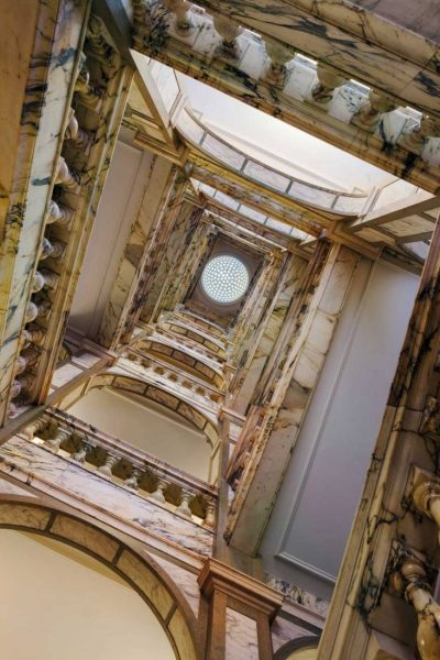 Rosewood-London_Grand-Marble-Staircase-3