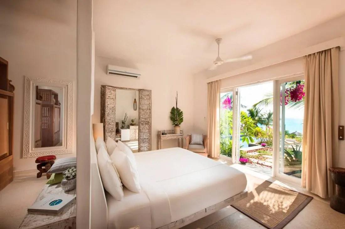 Literie De Luxe Suisse room numbergrand litier : le luxe par nature   hotel