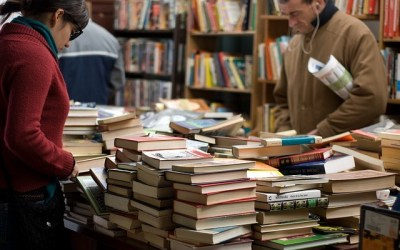 4 Must-Have Books for Hotel Investors