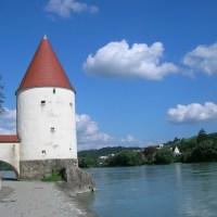 Von Passau nach Wien: Gemütlich Radwandern am Donaustrand