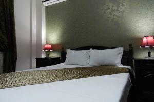 hotel-marinii,-bucharest-(29)