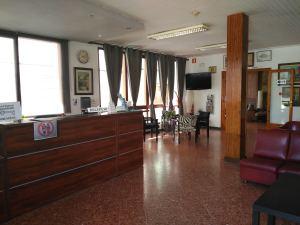Hotel Miami hall recepció