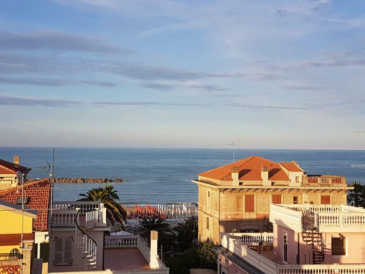 vista-da-hotel-nettuno-porto-san-giorgio
