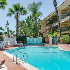 Anaheim Hotels With Kitchen Near Disneyland Trash Cans Ca Hotel Pepper Tree To