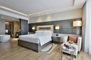 JW Marriott Mumbai Sahar guestroom 2