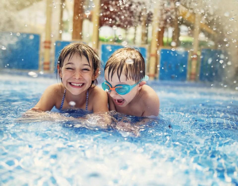 hotel com piscinas