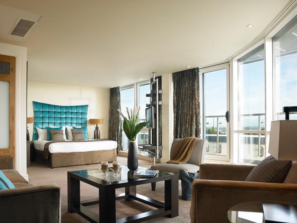 Bedroom at Hodson Bay Hotel, Athlone.