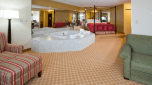 Kayak Hotels with Jacuzzi Rooms Near Me