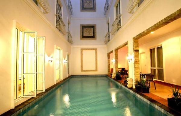 10 penginapan dan hotel murah di daerah Kuningan Jakarta Selatan