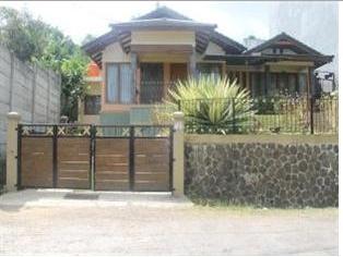 1. Villa Bukit Dago Pakar Bandung