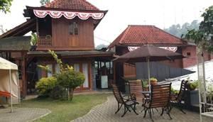 5. Villa Bantal Guling Lembang