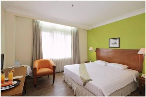 4. HOTEL NALENDRA BANDUNG