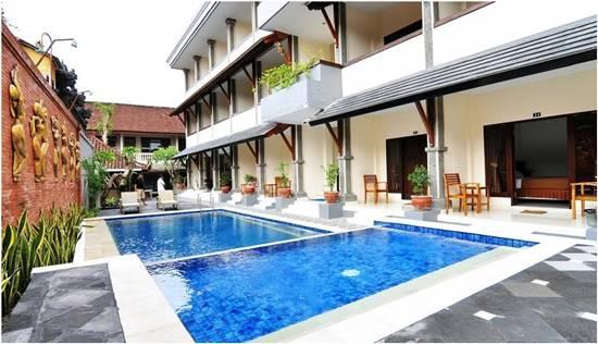 Kolam Renang Jesens inn 2 Bali