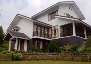 9. Villa Lembah Hijau Ciater
