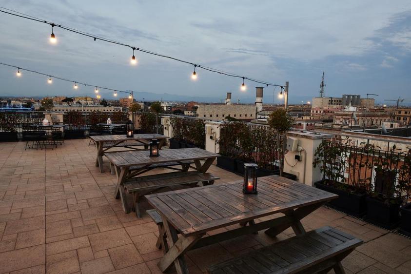 HNT Rome hostels near trains Metro