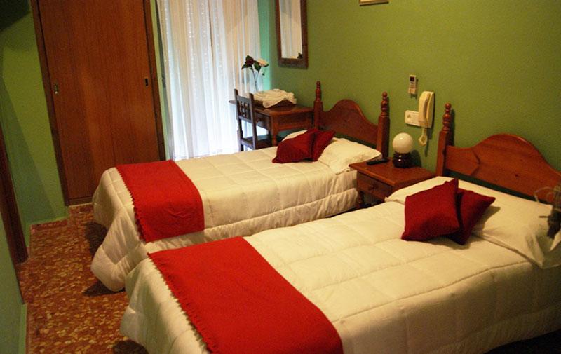 Habitacin doble en Hotel Vzquez Daz en Nerva  Riotinto