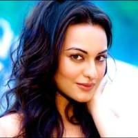 Sonakshi Sinha Sexy hot photos, wallappers and pictures 2011