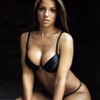 Vida Guerra Hollywood hot and sexy actress photos, wallpaper 2011