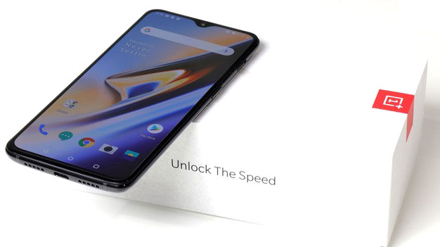 OnePlus 6T with box