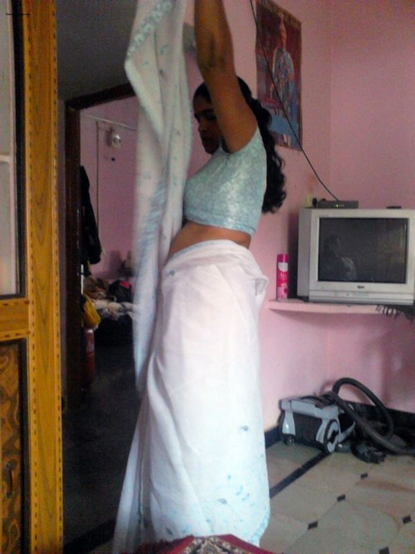 Mallu teacher stripping saree posing nude sucking cock oral sex pics