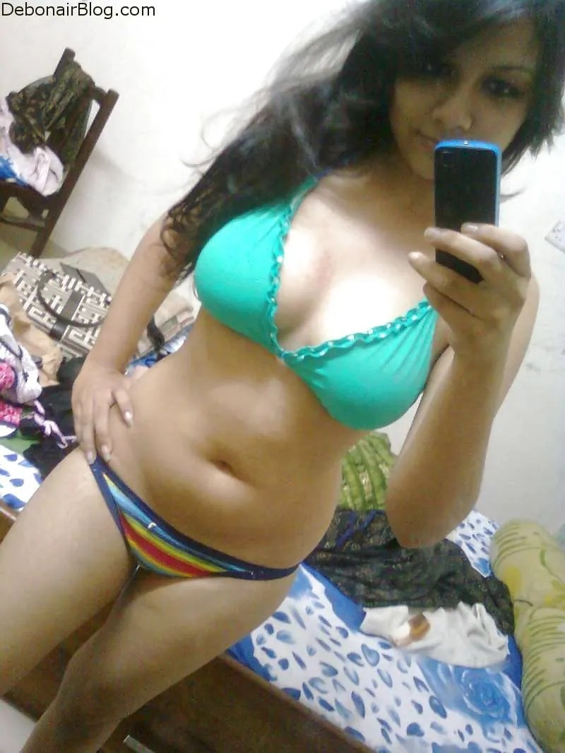 Tamil nri girl real nude selfie photo