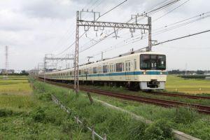 小田急線 8000形