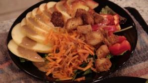 Greens 'n apple salad plated