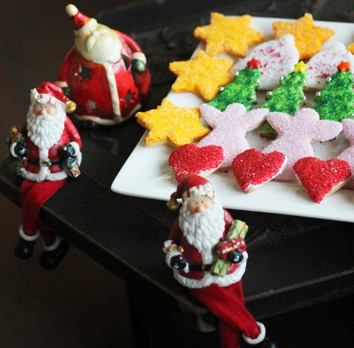 The mixed platter is guarded by Santas