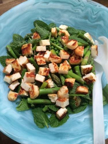 Asparagus, pea and mint salad with haloumi