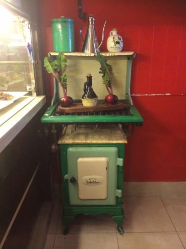 A retro oven