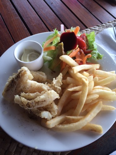 Salt & Pepper Calamari with Salad and Chips:  1,500 vt
