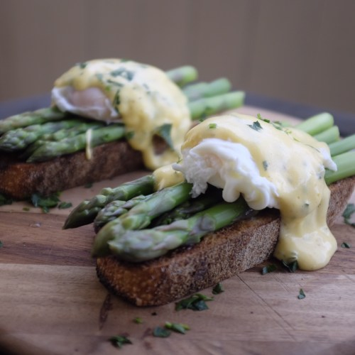 Hollandaise with finely chopped parsley whisked through it.