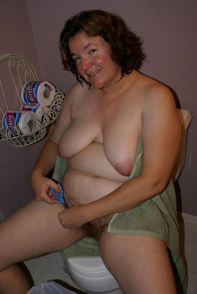 ugly nude moms
