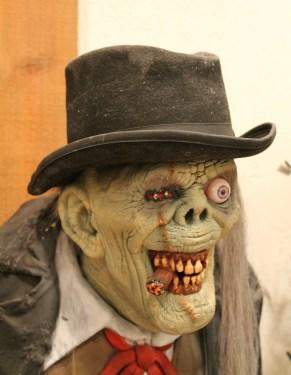 scary man, scary face,