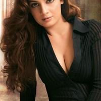 Diya Mirza deep cleavage hot boobs