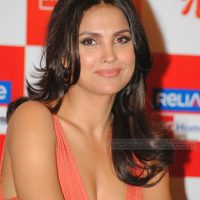 Lara Dutta boobs ...deep cleavage hd