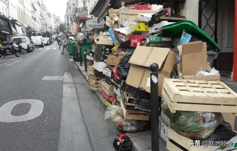 """巴黎最奇葩的十字路口,四面都是禁行!网友:这是真让""""上天""""?"""