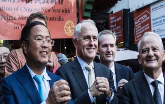 中国疫情一分没捐,却给澳洲捐款3000万,如今被赶回中国狼狈不堪