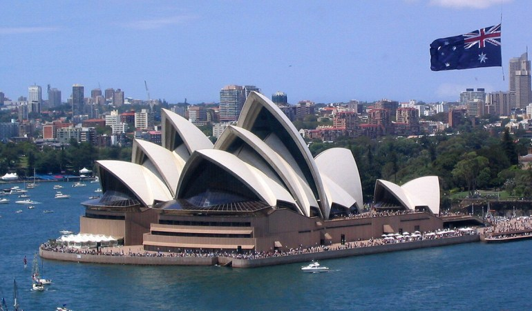 澳大利亚还不认输?澳部长想出新招对付中国,专家:无知且疯狂