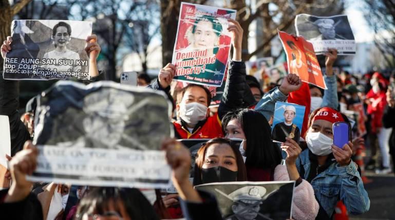 """中国需提高警惕!缅甸局势焦灼复杂,内斗逐步向""""军事对抗""""演变"""