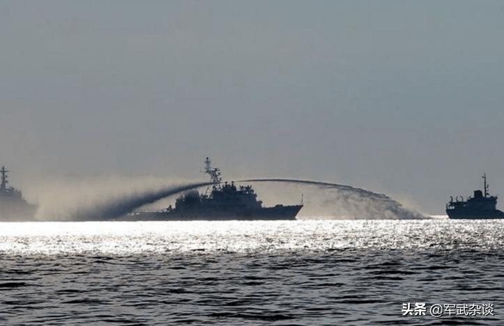 强硬!中国12艘海警船现身南海,澳洲扬言要上门捣乱,敢来就围观