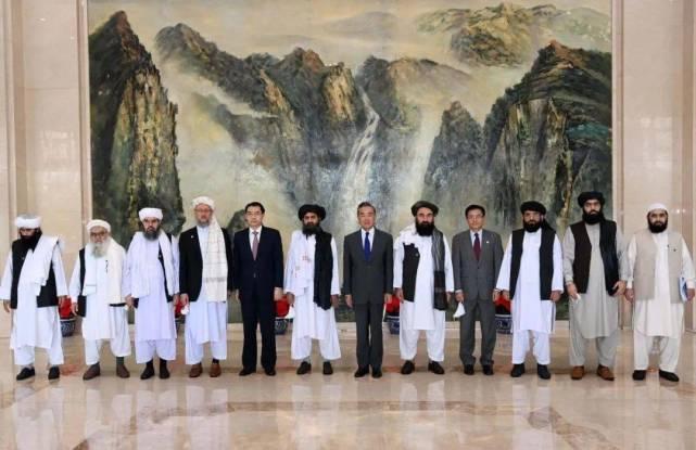 """为何塔利班认为中国是""""非凡机会""""?专家:可提供政治中立和经济投资"""