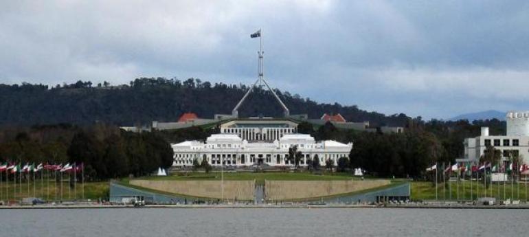 不计前嫌,派特使返回澳大利亚,外媒:两国关系解冻的首个迹象?
