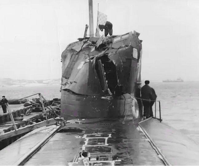 1992年与美国潜艇相撞后的俄罗斯K-276号潜艇