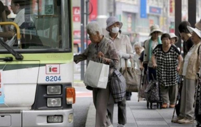 还要不要脸?日本9成人表态不喜欢中国,没钱了却希望中国人来玩